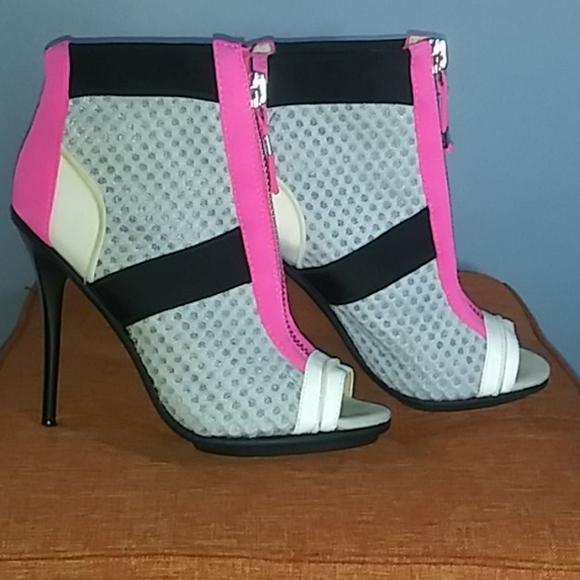 GX by Gwen Stefani Shoes - GX SHOES PRE OWNED SIZE 8 byGvven Stefani